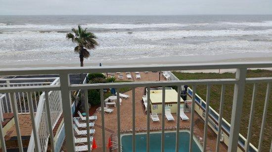 Sea Shells Beach Club: 20171229_141729_large.jpg