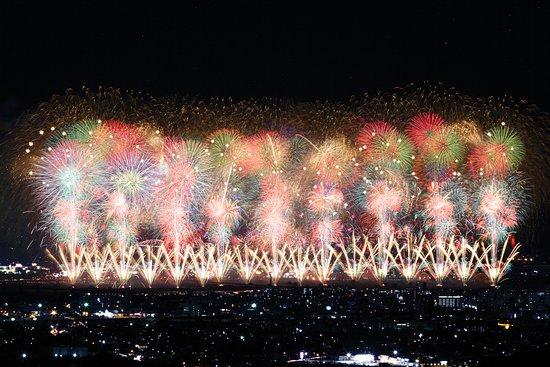Nagaoka, Japan: 復興祈願花火「フェニックス」