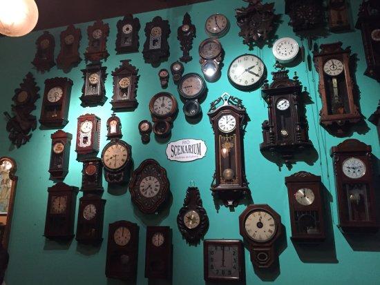 84f3027664e relógios antigos expostos - Foto de Rio Scenarium