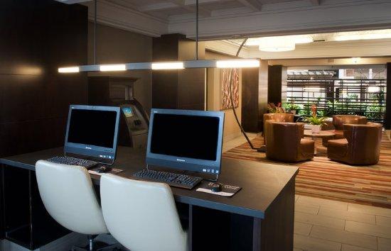 Embassy Suites by Hilton Denver Tech Center North: Business center