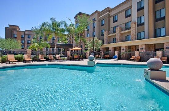 Hampton Inn & Suites Phoenix Glendale - Westgate: Pool