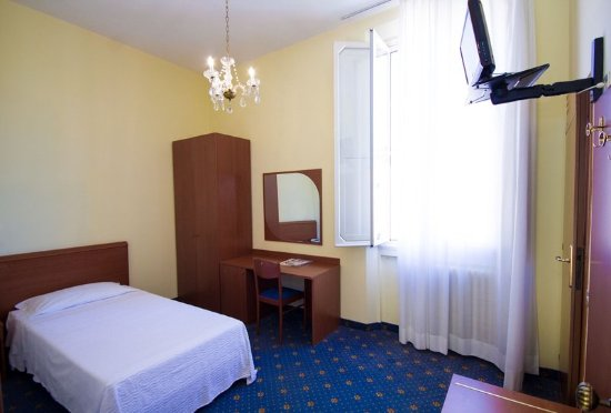 Hotel Europa : Guest room