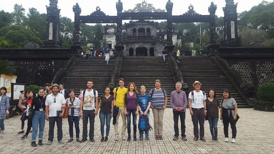 Provincia de Thua Thien-Hue, Vietnam: Hue City Deluxe Group Tours wtih Beautiful Guide