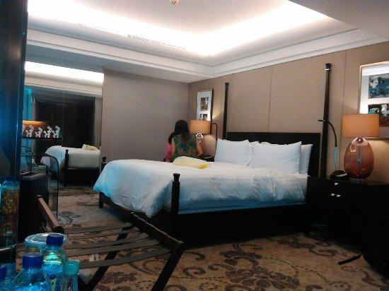 Hotel Indonesia Kempinski: Kasurnya kings size