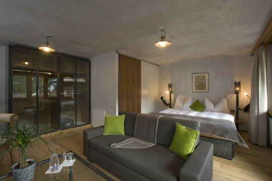 Guest room picture of matterhorn focus design hotel for Design hotel matterhorn focus
