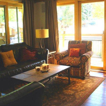 Lift One Condominiums: Suite
