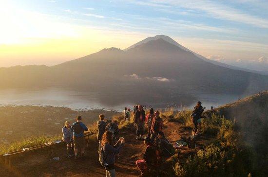 Sunrise Bali Trekking Guide På Mount...
