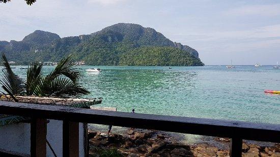 Phi Phi Cozy Seafront Resort Hotel (Ko Phi Phi Don ...
