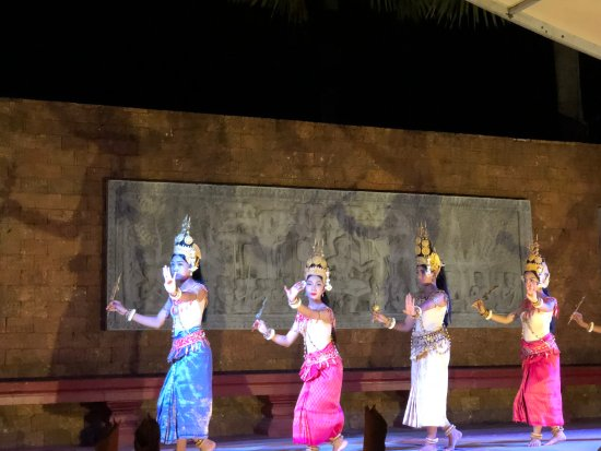 Raffles Grand Hotel d'Angkor: Cambodian Dance - dinner