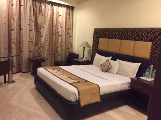 The Star Grand: OK size bed