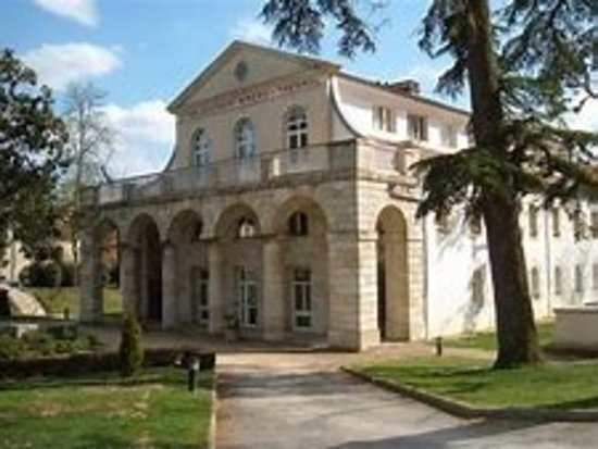 Castera-Verduzan, France: Centre Thermal