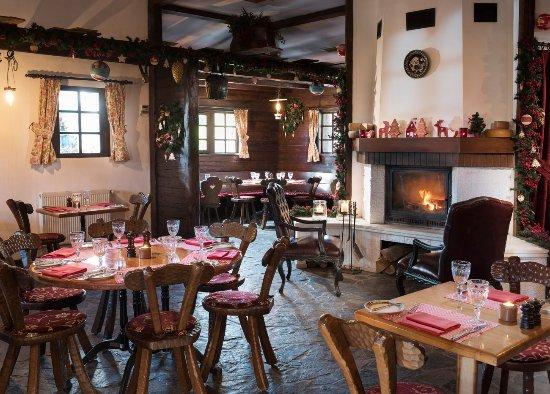 Chalet Restaurant atmosphere