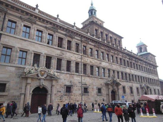L 39 esterno del palazzo foto di n rnberger rathaus for L esterno del ristorante cruciverba