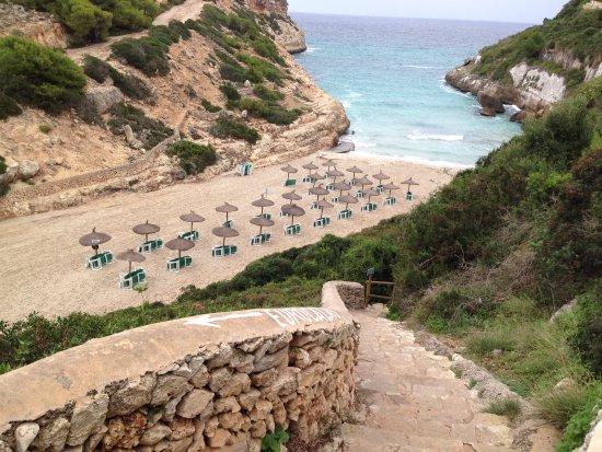 HYB Eurocalas : La plage à 200 m de l'hôtel