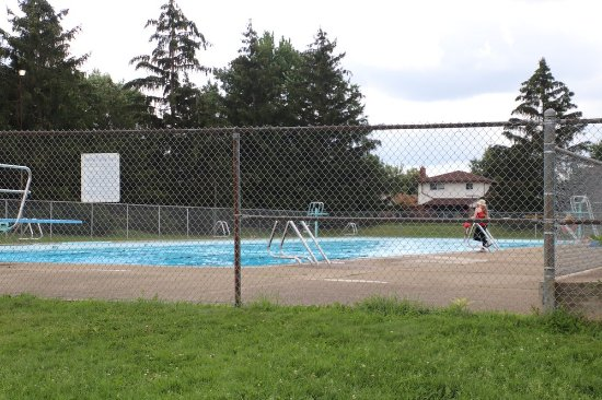 Maple Park Pool