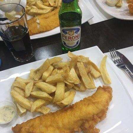 Restaurants ben 39 s fish chips restaurant in camden with for Fish chips restaurant