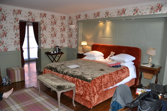 """هوتل دي أورانجيري: Room #112 called """"The Lake of Love"""""""