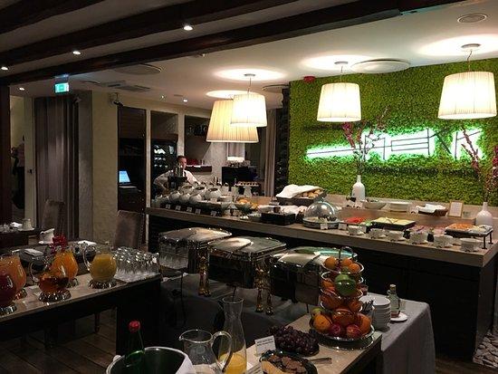 Savoy Boutique Hotel: Breakfast
