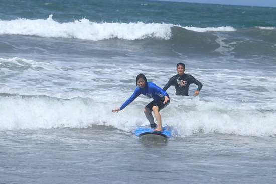 UP2U Surf School Bali: 1st lesson (no experience)