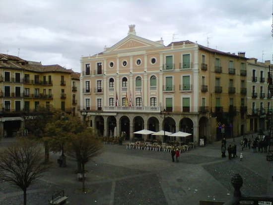 Infanta Isabel Hotel: view from room 210