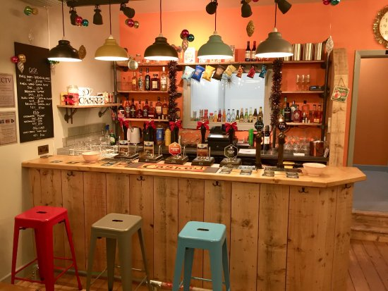 Rawtenstall, UK: Casked bar (reclaimed 100 year old floorboards from a demolished hospital)