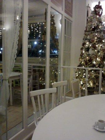 Fabula Bistrot ...in sala con addobbi natalizi (foto da cellulare 29.12.17).