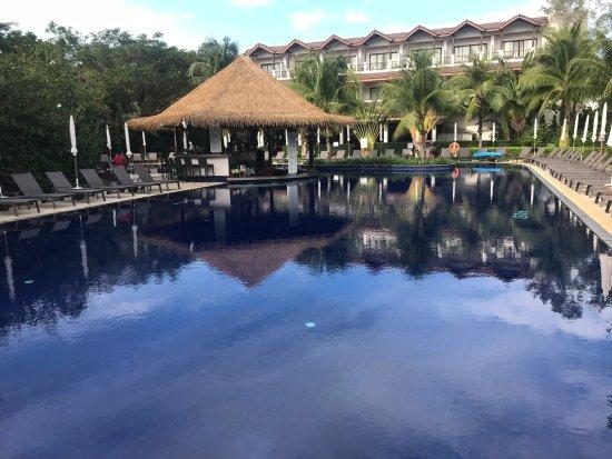 Sunprime Kamala Beach: une des piscines