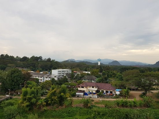 Dusit Island Resort Chiang Rai: Views of dusit from 10th floor restaurant and 6th room