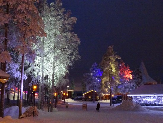 Villaggio Babbo Natale Rovaniemi.Colori Foto Di Villaggio Di Babbo Natale Rovaniemi Tripadvisor