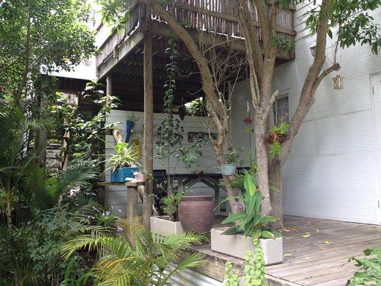 بامبو ذا جيست هاوس: Terrase d'une autre chambre