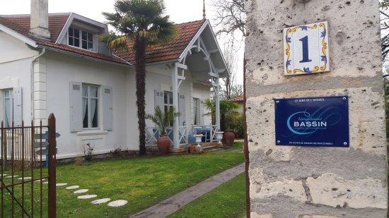 L'entrée de la villa Glen-Tara de Taussat-les-Bains