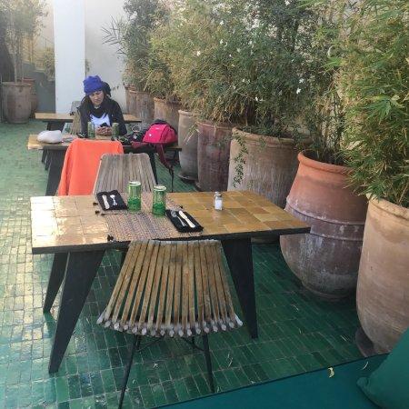 Foto de le jardin regi n de marrakech tensift el haouz for Le jardin 32 route sidi abdelaziz marrakech 40000