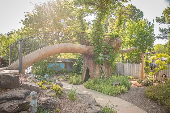 Fayetteville, AR : Children's Garden (Mike Price Photography)