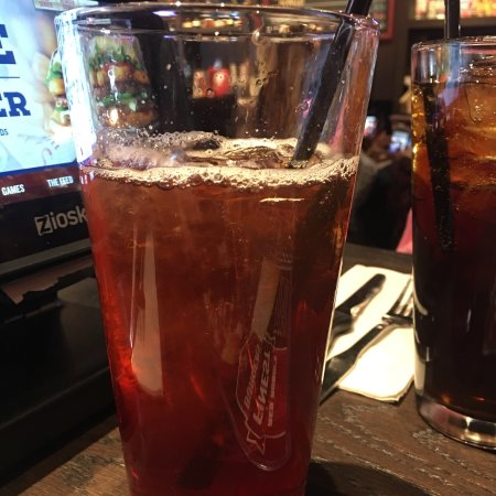 Clarksville, IN: Love the bottomless fruit teas; I had cranberry and pomegranate.