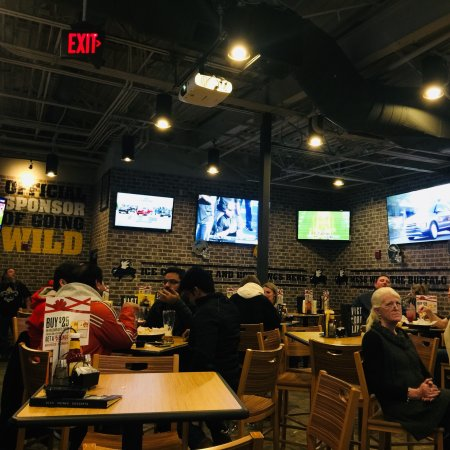 Buffalo wild wings grill and bar south burlington restaurant reviews phone number photos - Buffalo american bar and grill ...