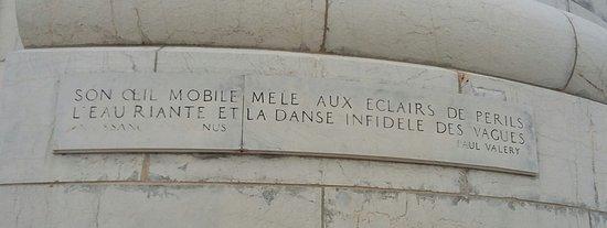 Citation De Paul Valéry Inscrite Sur La Base Du Phare