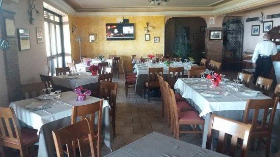 Zafferana Etnea, Italy:  Sala interna