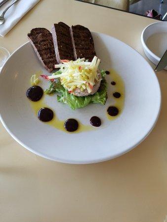 Marlborough Elite Tours - Day Tours: Brancott Montana, beautiful lunch