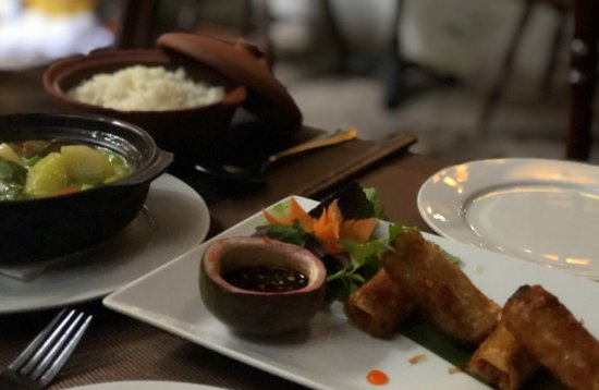 Hanoi Food Culture: Deep fried Hanoi spring rolls and vegetarian curry with rice