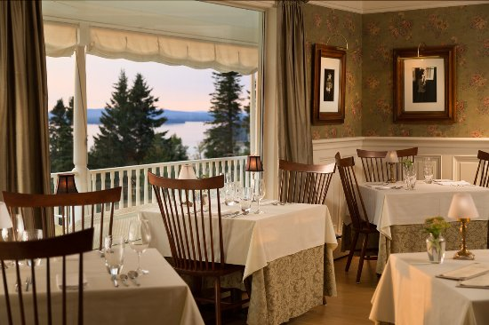 Greenville, ME: Dining room with a view