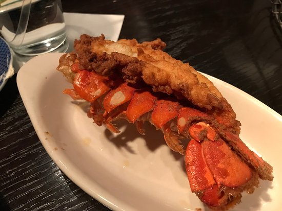 Ford's Fish Shack : fried lobster tail (don't get)