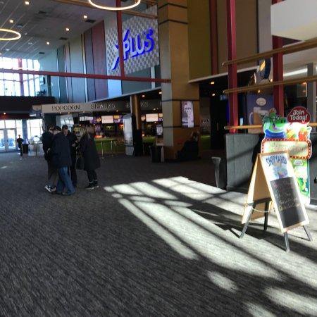 Island 16 Cinema De Lux