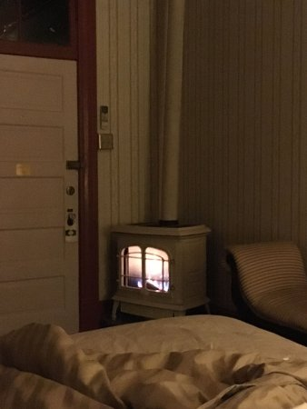 Connor Hotel of Jerome: I love the thermostat linked to the stove