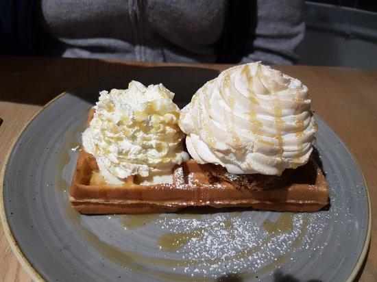 Cod & Waffle 사진