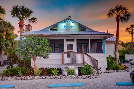 The Inn on Siesta Key: Front, original house Cottage