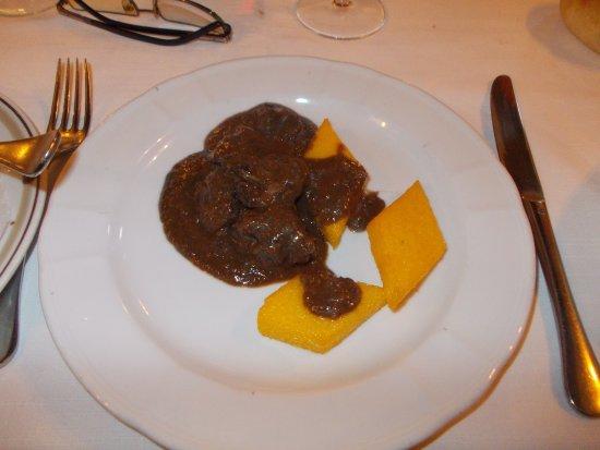 Varallo Pombia, Italia: Camoscio e polenta