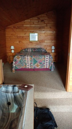 Whiteshell Provincial Park, Canadá: Bed area in our Cabin # 5