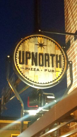 East Grand Forks, MN: Up North Pizza Pub