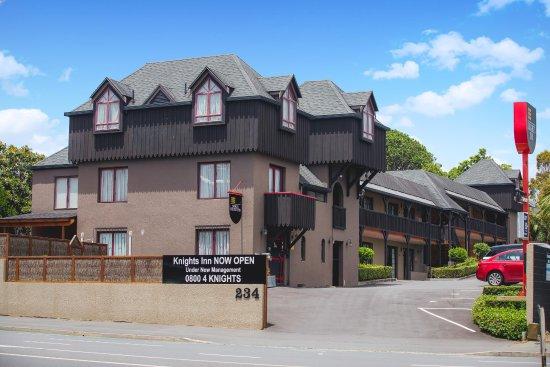 Knights Inn Photo
