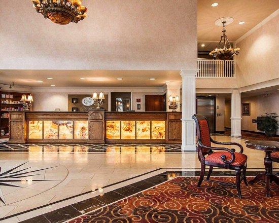Comfort Suites of Corvallis: Front Desk